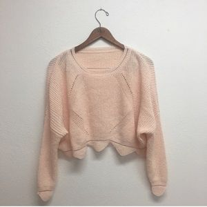 Sweaters - Pink cropped sweater with scalloped he